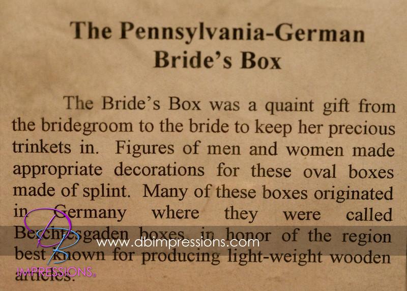Explaination of what the bride's box resembles.