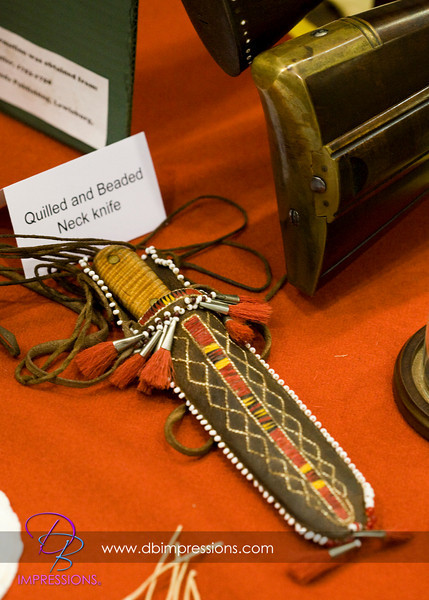 Reproduction quilled neck knife.