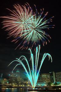 2009 Portland Rose Festival Fireworks  | Sigma 18-50mm f/2.8 EX DC
