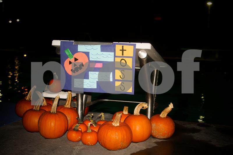 2009PumpkinCarving-2