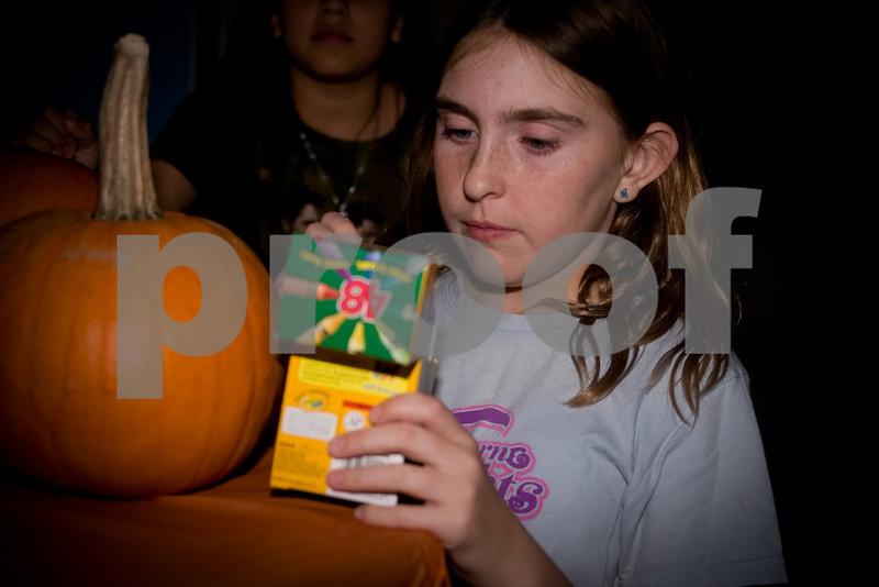 2009PumpkinCarving-26