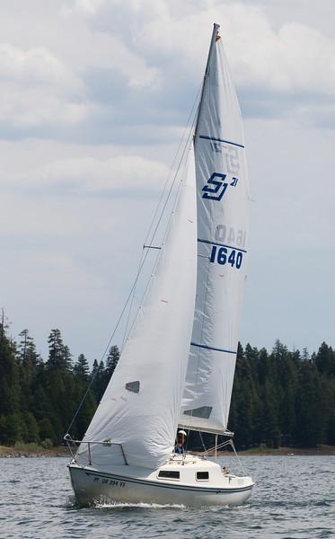 CZ2F2535