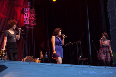Chic Gamine at the 2010 Montreal Jazz, Festival 6