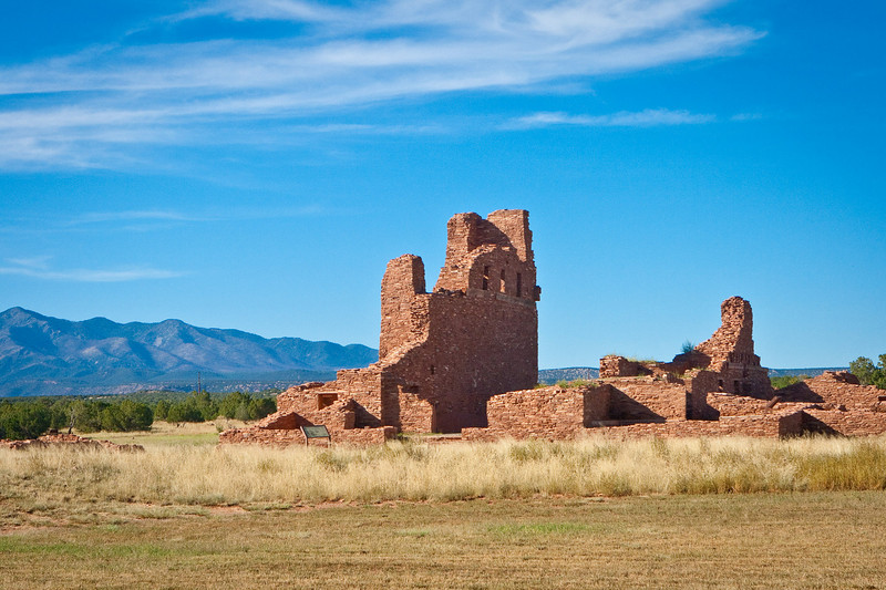 "The ruins of the Spanish church at <a href=""http://en.wikipedia.org/wiki/Abo_(historic_place)""><span style=""color:#7CFC00"">Ab&oacute</span></a>, near Mountainair, with  the Mazano Mountains. <a href=""http://www.ghosttowns.com/states/nm/abo.html""><span style=""color:#7CFC00"">(See also)</span></a>."