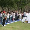 Thánh lễ sốt sắng và đầy tình thân trên bãi cỏ khuôn viên Central Park, Huntington Beach.