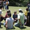 Hội nghị Diên Hồng, già trẻ lớn bé đang bàn cách làm thế nào để  thắng được đội bên kia?