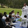 Cha Bỉnh đang nhắc lại cho các anh chị em Đồng Hành Nguyên Lý và Nền Tảng theo linh đạo I-nhã.