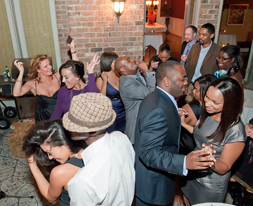 Charlotte Young Professionals Presents an Evening w_Harold Cogdell 10-2-10_181