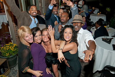 Charlotte Young Professionals Presents an Evening w_Harold Cogdell 10-2-10_173