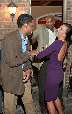 Charlotte Young Professionals Presents an Evening w_Harold Cogdell 10-2-10_161