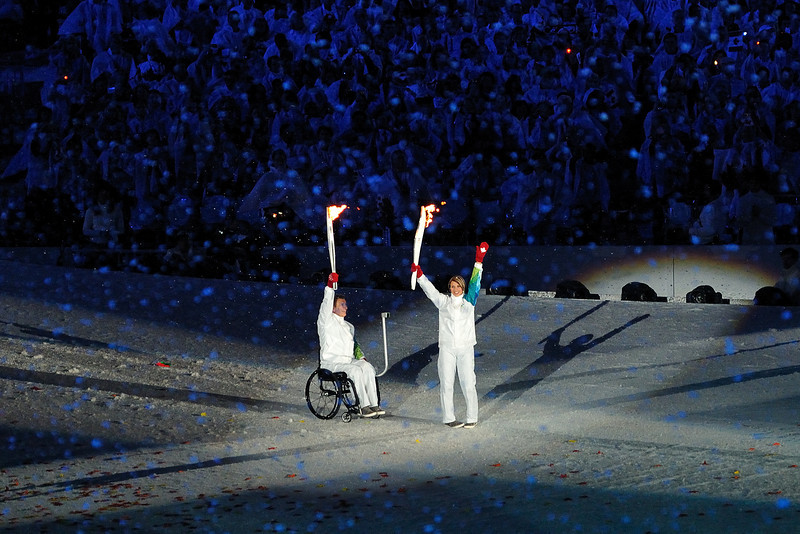 Rick Hansen passes the torch to Catriona Le May Doan
