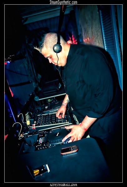 DJsandPartyPeople-081410-28