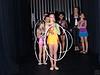 跳健身圈伴舞的小姑娘