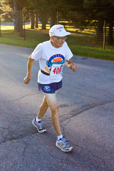 Clarence Osborn, age 92, warming up before the race.