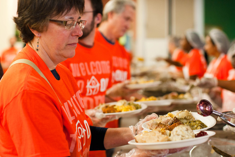2011 Thanksgiving Dinner at the Union Rescue Mission