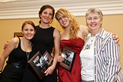 Womens Golf Award Winners with Coach Blake