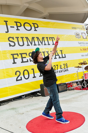 Yo Yo performer on the Pagoda Stage at the 2011 J-POP Summit Festival