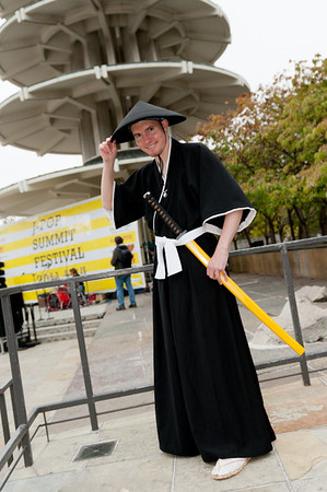 Cosplayer in front of the pagoda at the 2011 J-POP Summit Festival