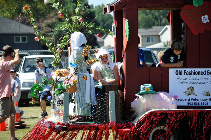 2011_newberg_oldfashioned_parade_KDP7885_073011.jpg