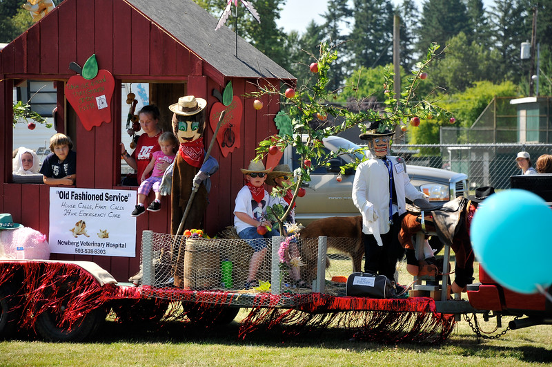 2011_newberg_oldfashioned_parade_KDP7884_073011.jpg