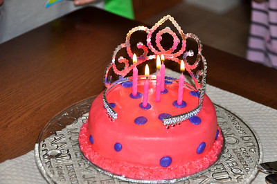 Mia's birthday cake