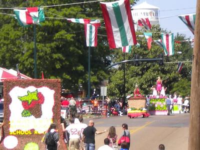 2011 Strawberry Festival Junior Parade