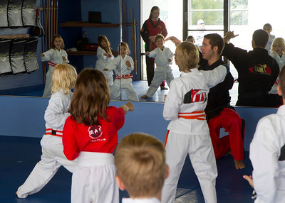 20110326_Josie_Karate_15