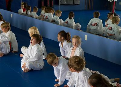 20110326_Josie_Karate_37