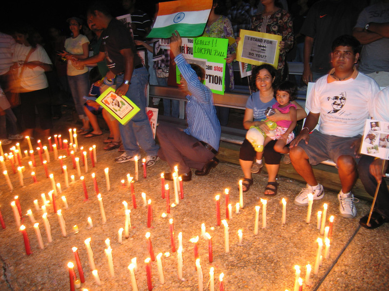 20110817 Anti-corruption pro-Anna Hazare candelight vigil, Cary NC (820p) (by Dilip Barman)