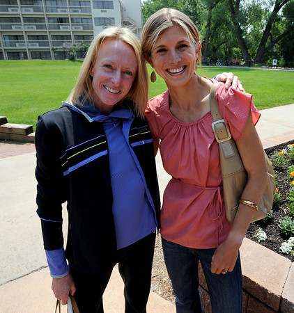 "Elite runners, Deena Kastor, left, and Sara Slattery, pose for a photo before the media lunch on Saturday.<br /> For two videos and more photos of Bolder Boulder lunch, go to  <a href=""http://www.dailycamera.com"">http://www.dailycamera.com</a>.<br /> Cliff Grassmick / May 26, 2012"