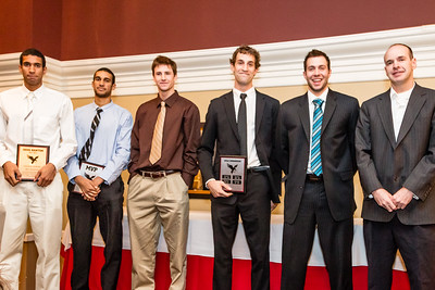 Coach Dave Smart and mens basketball award recipients