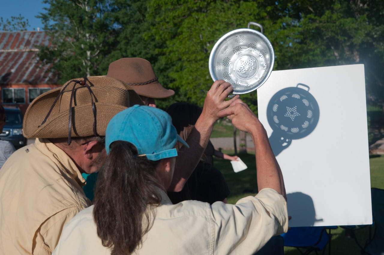 Using a Colander to see the eclipse