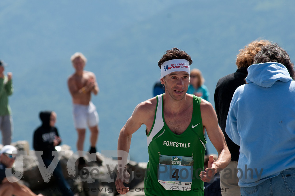 Six-time World Mountain Running Champion Marco DeGasperi, Italy<br /> 2012MtWashRace-1412