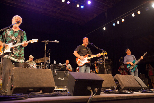 Little Feet perfoming on main stage Saturday night. (Howard Pitkow/for Newsworks)
