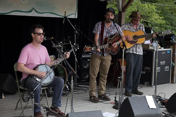 Local favorites Hezikiah Jones perfoming on Daturday afternoon. (Howard Pitkow/for Newsworks)