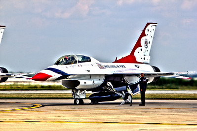 "US Air Force ""Thunderbirds"" Pre-flight"