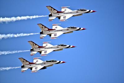 "US Air Force ""Thunderbirds"" Performance"