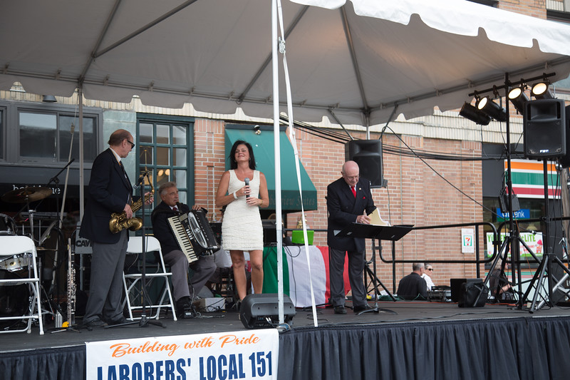 Sharon Z Performs North End Feast