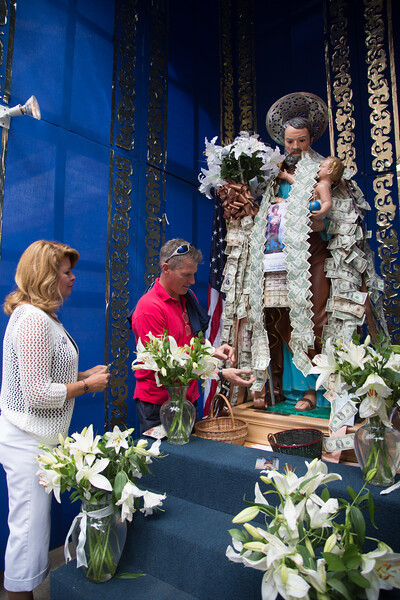 Sen. Scott Brown and Wife Gail Huff Pin Money on the Statue of Saint Joseph