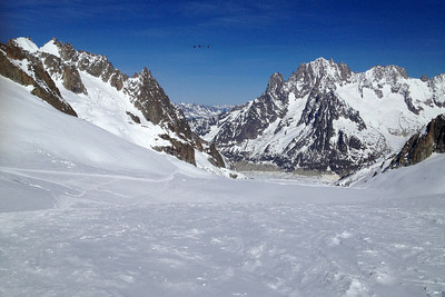 Skiing Valle Blanche