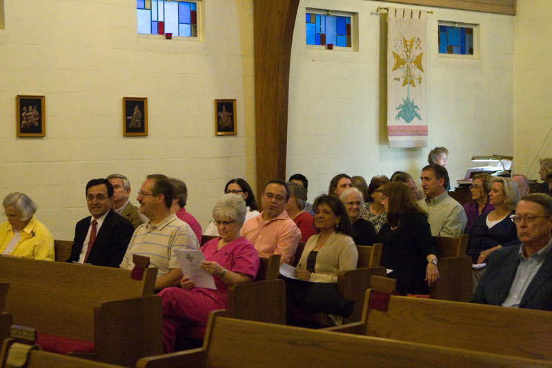 20121024-Cindy-Ruiz-Riquer-ordination-deacon-IMG_7580