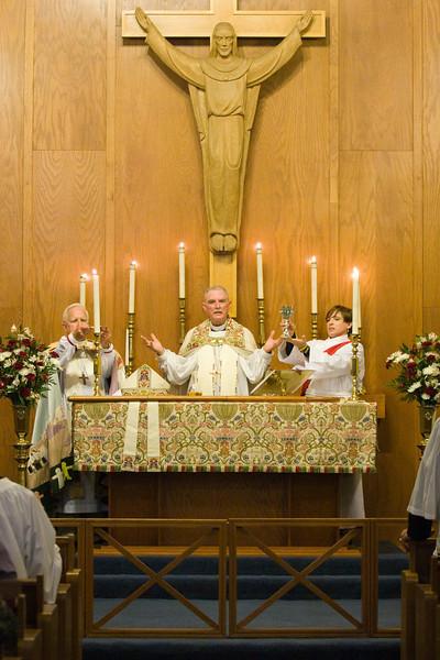 20121024-Cindy-Ruiz-Riquer-ordination-deacon-IMG_7310