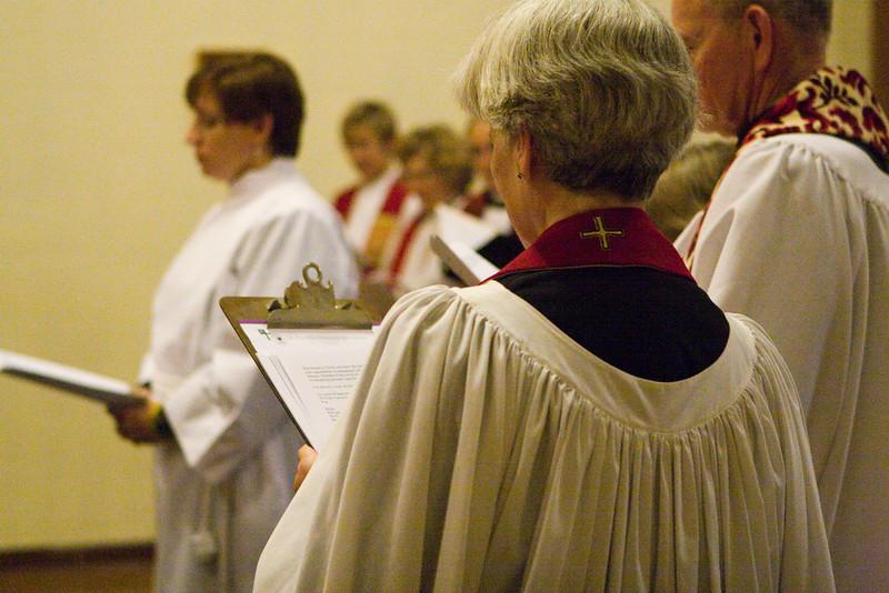 20121024-Cindy-Ruiz-Riquer-ordination-deacon-IMG_7602