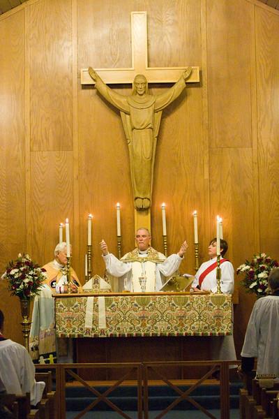 20121024-Cindy-Ruiz-Riquer-ordination-deacon-IMG_7305