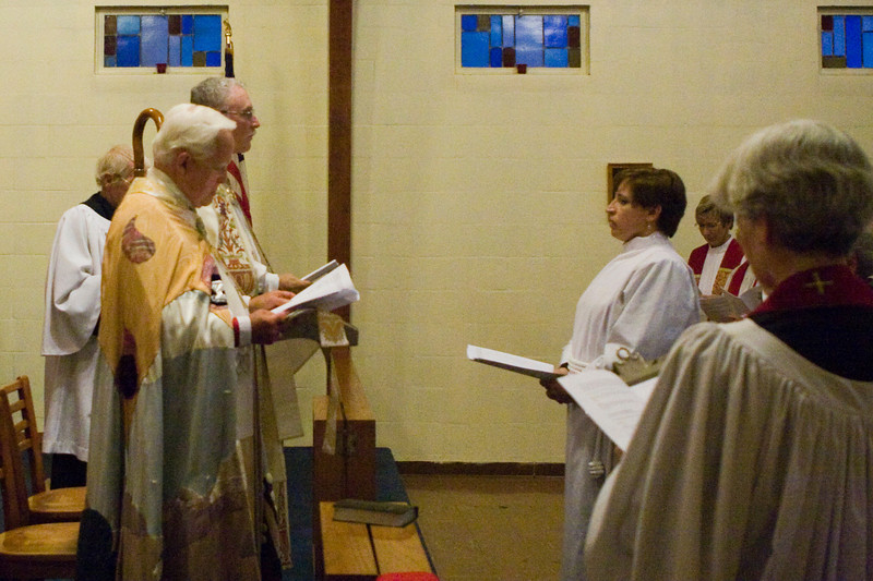 20121024-Cindy-Ruiz-Riquer-ordination-deacon-IMG_7601