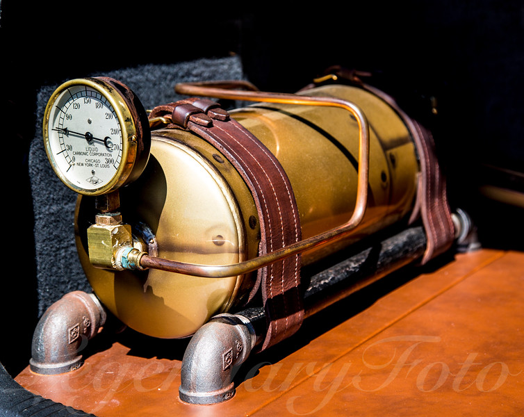 Air Ride Tank and Gauge
