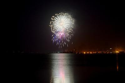 Bodega Bay Fireworks ref: 7b7c9490-b234-4dc0-9a28-94d6e3b056e6