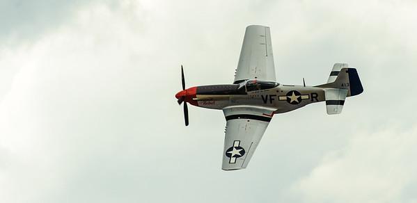 WarBird  registry P-51 MUSTANG/44-84933