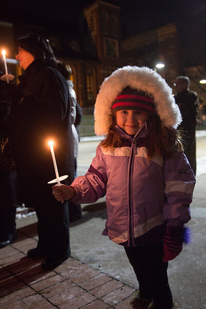 2013-01 | Candlelight Vigil for Newtown Victims 25