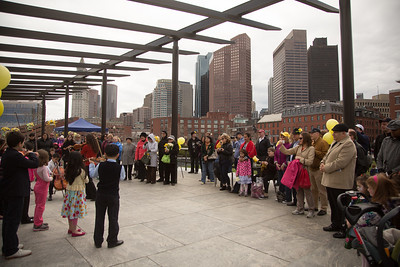 Crowd enjoys Daffodil Day - 2013-04-14 at 12-37-59